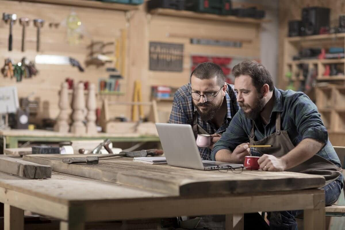 Web Presence for Small Business: Overwhelmed and Left in the Dust
